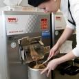 Preparazione gelato al gianduia